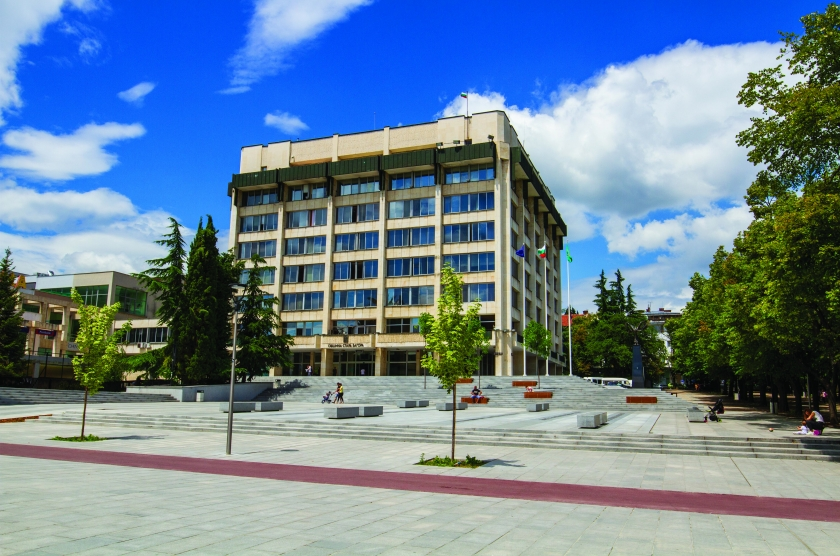Reconstruction and improvement of the pedestrian zone and the area space around the building of municipality of Stara Zagora
