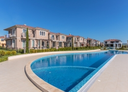 Residential complexes of multifamily buildings Victoria Lakes