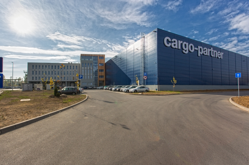 Logistics center cargo - partner